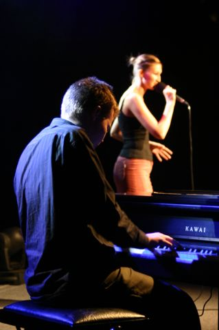 2005 008