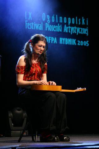 2005 036