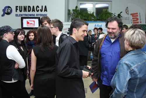 2010 019